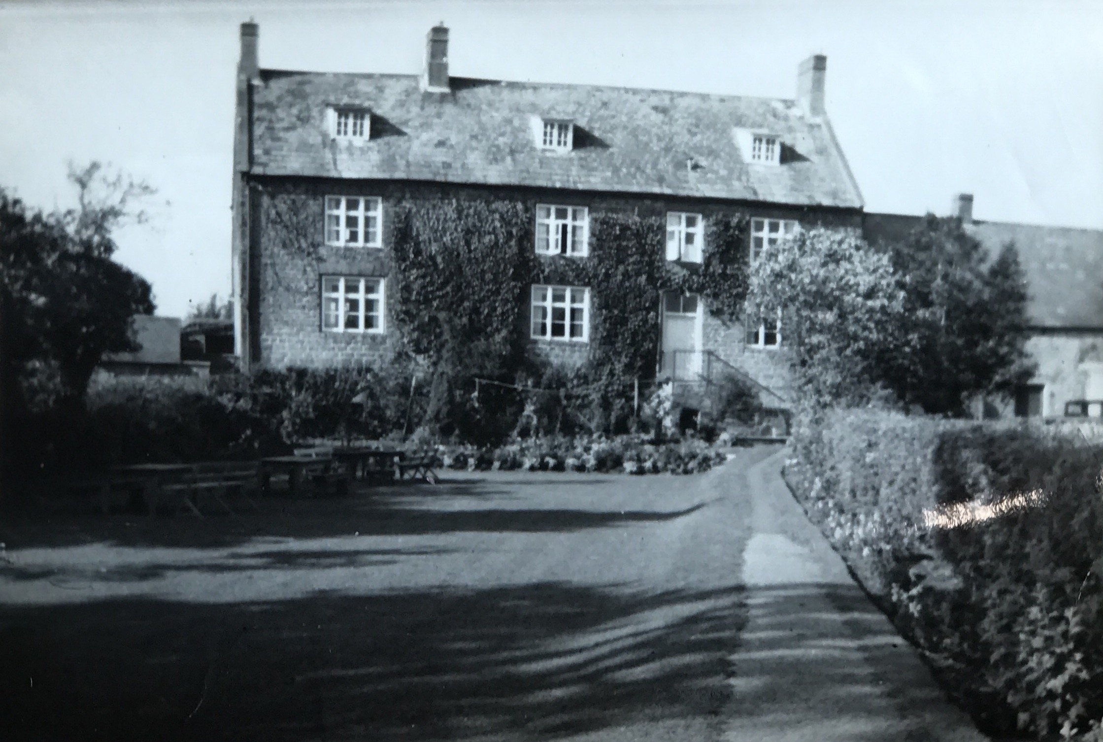 Vintage picture of the worlds end pub